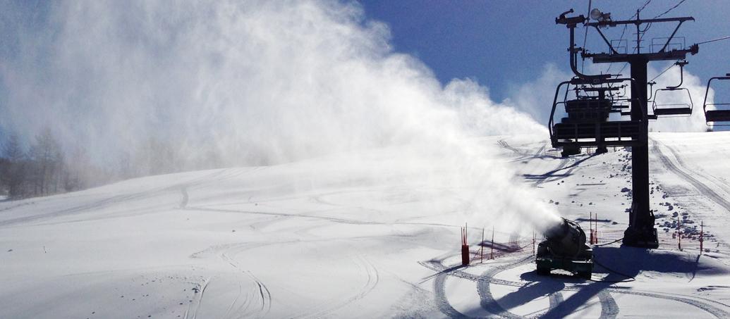 雪不足の心配いらず!スノーマシン増強中!